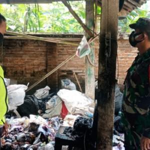 Padamkan Api di Tumpukan Rongsokan, Nenek di Blitar Nyaris Tewas Terbakar