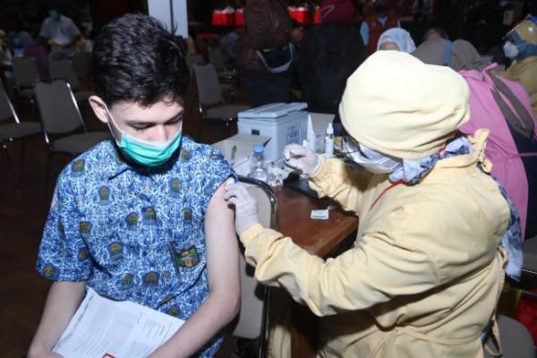 Vaksinasi Covid-19 di Kota Malang. (Foto: Humas Pemkot Malang for MalangTIMES).
