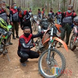 Wabup Tuban Patroli Hutan dengan Kendarai Motor Trail