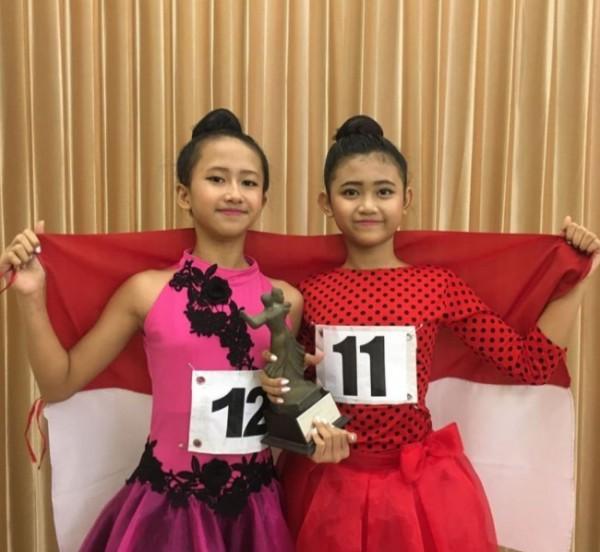 Atlet dansa Kota Malang yang berhasil meraih prestasi di ajang internasional yakni Beatrix Anindita Larasati (kiri) dan Evelyn Alexia Ariella. (Foto: IODI Kota Malang)