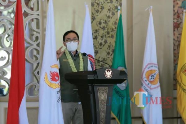 Bupati Pamekasan saat memberikan sambutan pada acara Musyawarah Olahraga Kabupaten (Musorkab) yang berlangsung di Mandhapa Aghung Ronggosukowati (Foto:Ist/JTN)