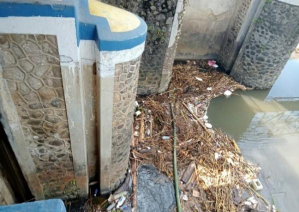 Lokasi mayat bayi ditemukan ( Foto: Netizen )
