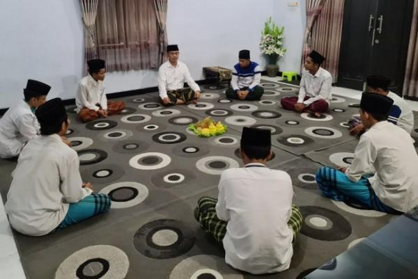 Syukuran tersebut dihadiri sejumlah fungsionaris DPC PKB Kota Kediri dan Pengurus Rabithah Ma'ahid Islamiyah (RMI) PC NU Kota Kediri. (Foto: Istimewa)