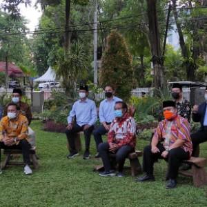 10 Pimpinan Parpol Temui Wali Kota Eri Cahyadi, Apresiasi Bawa Surabaya ke Zona Kuning Covid-19