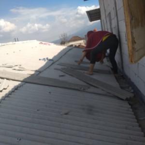 Kali Ini, Angin Kencang Terbangkan Atap Rumah Warga Batu