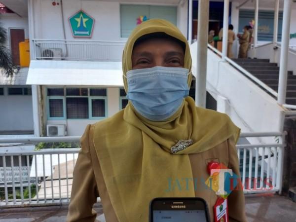 Kepala Dinas Sosial Pemberdayaan Perempuan, Perlindungan Anak, Pengendalian Penduduk dan Keluarga Berencana (Dinsos-P3AP2KB) Kota Malang Penny Indriani. (Tubagus Achmad/MalangTIMES).