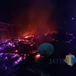 Ditinggal Pergi, Rumah di Tulungagung Terbakar, Uang Jutaan Jadi Abu