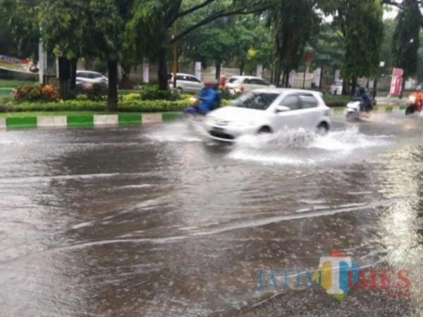 Salah satu kawasan saat banjir di Kota Malang. (Foto: Dokumentasi JatimTIMES).