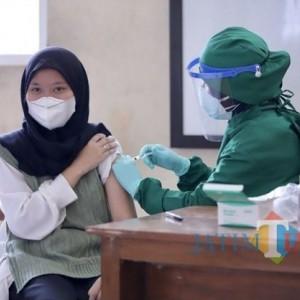 Vaksinasi Covid-19 Mulai Merambah Pelajar SMP di Kota Batu