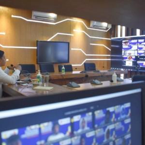 Wali Kota Kediri Sampaikan Kolaborasi Pengendalian Covid-19 di Kota Kediri dalam PKKMB IIK Bhakti Wiyata