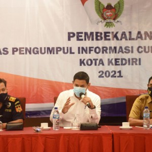 Berantas Peredaran Rokok Polos, Wali Kota Kediri Libatkan Masyarakat