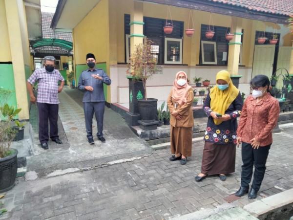 Ahmad Fuad Rahman, Sekretaris Fraksi PKS DPRD Kota Malang yang juga Anggota Komisi C DPRD Kota Malang (peci hitam) (Ist)
