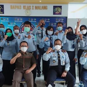 Dosen Psikologi FISIP UB Gembleng Pegawai BAPAS Klas 1 Malang di Pelatihan Peningkatan Kualitas Pelayanan Prima