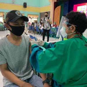 Kejar Kekebalan Kelompok, Warga Kecamatan Singosari Digelontor 5.000 Dosis