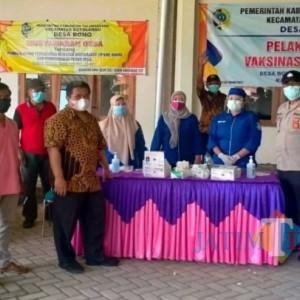 Vaksinasi Covid-19 di Desa Bono Tulungagung, Anggota DPRD Provinsi Jatim Ikut Ramaikan