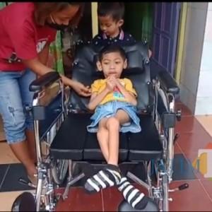 Bertahun-tahun Krisna Anak Disabilitas Kota Madiun Mimpikan Kursi Roda, Kini Terwujud Berkat JatimTimes Network