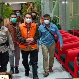 Drama Isoman Azis Syamsuddin yang Berujung Penjemputan KPK, Kini Resmi Ditahan