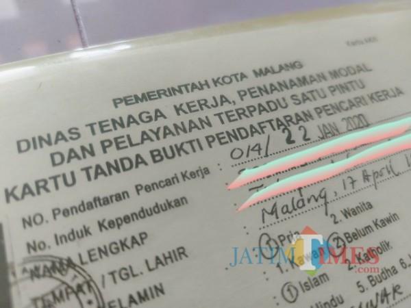 Ilustrasi Kartu Pencari Kerja yang dikeluarkan oleh Dinas Tenaga Kerja, Penanaman Modal dan Pelayanan Terpadu Satu Pintu (Disnaker-PMPTSP) Kota Malang. (Foto: Tubagus Achmad/JatimTIMES)