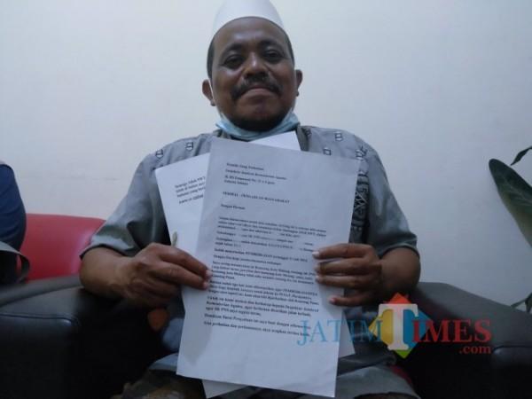 Abdul Kowi, warga Muharto yang lulus CPNS pada 2013, namun hingga kini belum mendapatkan SK pengangkatan (Anggara Sudiongko/MalangTIMES)