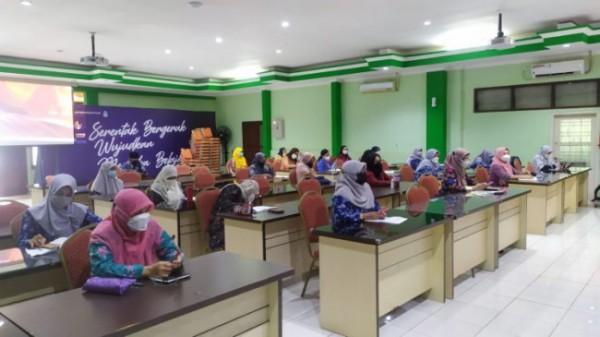 Para peserta yang mengikuti Bimtek LBB di Disdikbud Kota Malang (Ist)