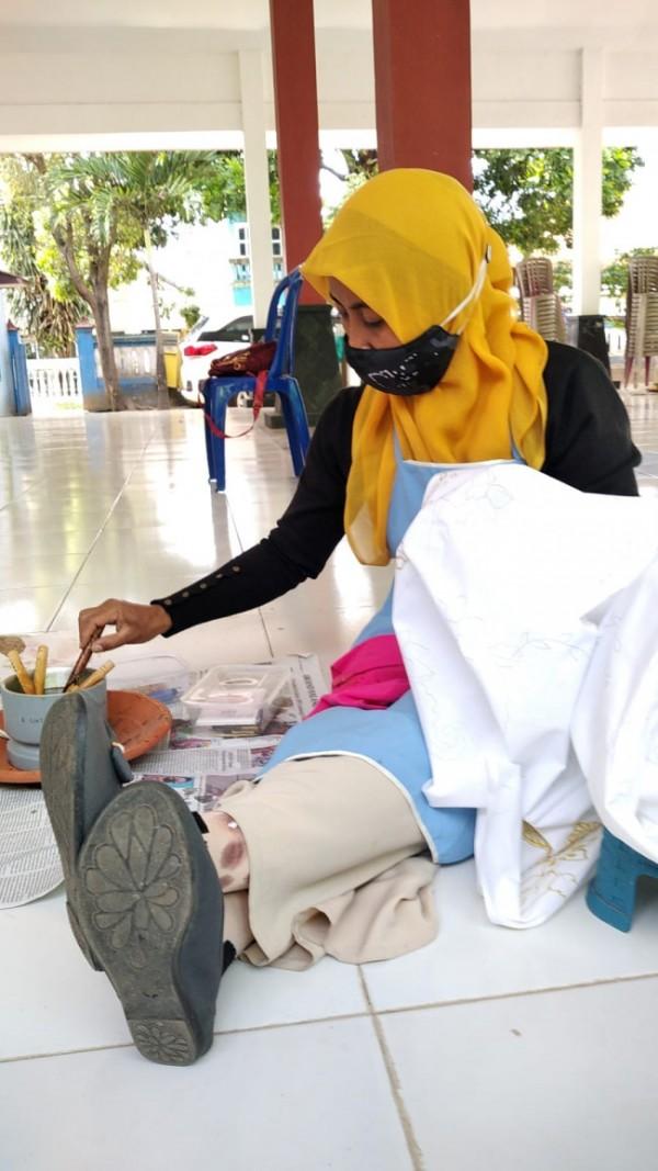 Salah satu peserta sertifikasi batik.(Foto:Istimewa).