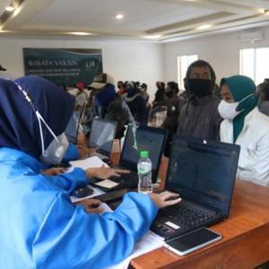 Forkopimda Kabupaten Malang Salurkan 600 Dosis Vaksin di Kawasan Wisata