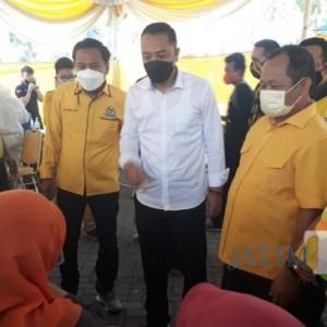 Antusias Vaksinasi, Warga Serbu Seribu Vaksin Covid-19 dari Golkar Surabaya