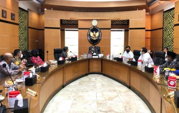 Pertemuan Partai NasDem dengan menko polhukam di Kantor Menko Polhukam. (Foto: ist)