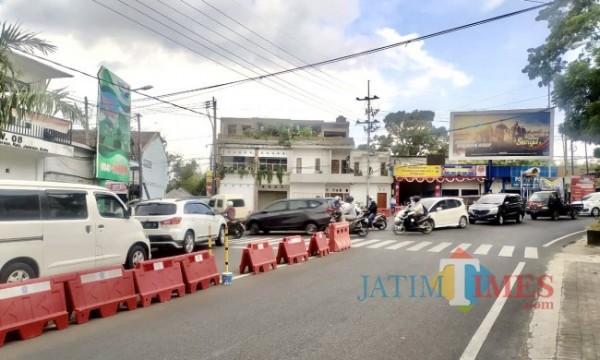 Kemacetan yang terjadi di kawasan jalan Ir Soekarno, Kecamatan Junrejo, Kota Batu. (Foto: Irsya Richa/ MalangTIMES)