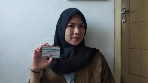 Salah satu peserta BPJS Kesehatan pemegang Kartu JKN-KIS yakni Eva Setyaningsih (37). (Foto: Humas BPJS Kesehatan Cabang Malang)