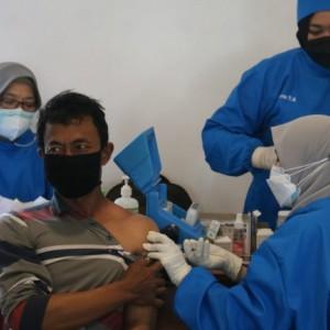 Pemkab Malang Berikan Honor Bagi Relawan Vaksinator Covid-19