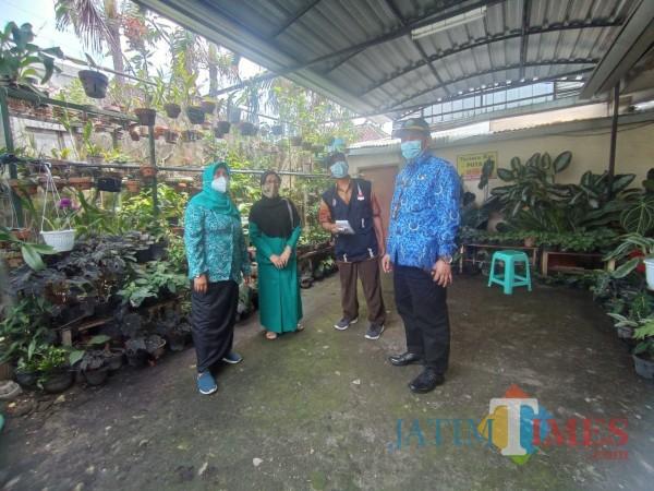 Peserta-Lomba-Kampung-Bersinar-Semakin-Berkembang-1226f00503d18f0c0.jpg