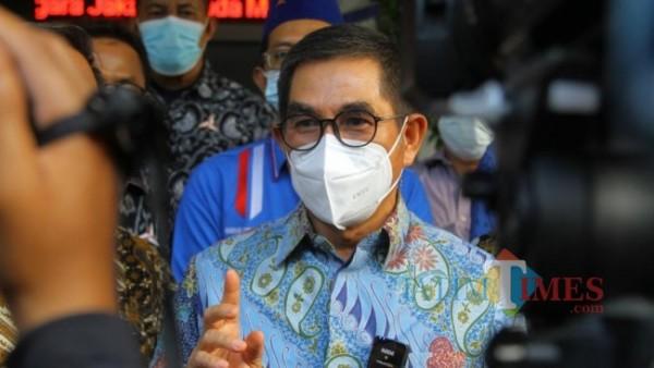 Saat Hamdan Zoelva temui awak media, usai hadiri sidang pengadilan PTUN Jakarta