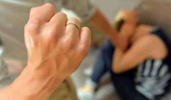 Ilustrasi kekerasan kepada ibu dan anak (foto: istimewa)
