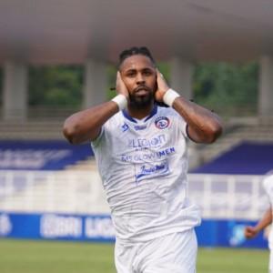 Minus 3 Pilar Utama, Arema FC Siap Buat Kejutan saat Hadapi Persela