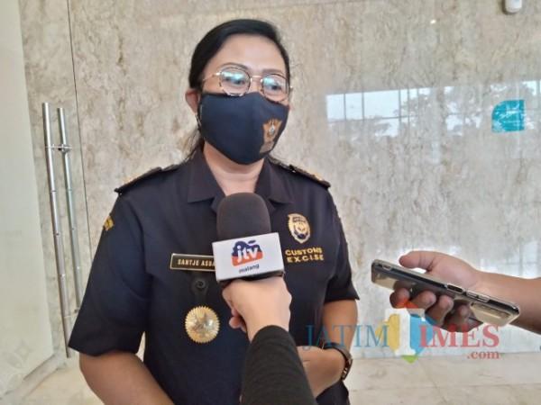 Kasi Penyuluhan dan Layanan Informasi KPPBC Tipe Madya Malang Santje Asbay.(Foto: Riski Wijaya/MalangTIMES).