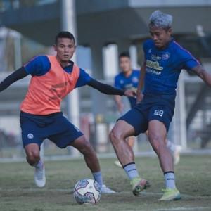 Menang Dua Kali, Tim Pelatih Arema FC Liburkan Pemainnya