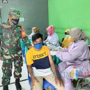 Terpengaruh Informasi Miring dan Takut Vaksinasi Picu Kecamatan Tajinan Dapat Bendera Hitam