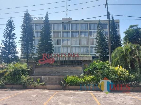 Salah satu hotel yang merupakan anggota dari PHRI Kota Malang dan sudah menerapkan Aplikasi PeduliLindungi. (Foto: Tubagus Achmad/ JatimTIMES)
