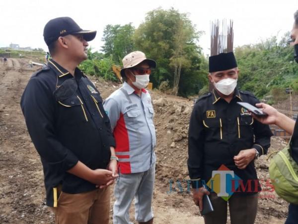 Ketua Komisi C DPRD Kota Malang, Fathol Arifin (kanan) dan Anggota Komisi C DPRD Kota Malang, Ahmad Fuad Rahman (kiri) (Anggara Sudiongko/MalangTIMES)