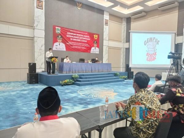 Suasana sosialisasi gempur rokok ilegal oleh Pemkab Malang kepada RT RW se Kecamatan Pagelaran (foto: Hendra Saputra/MalangTIMES)