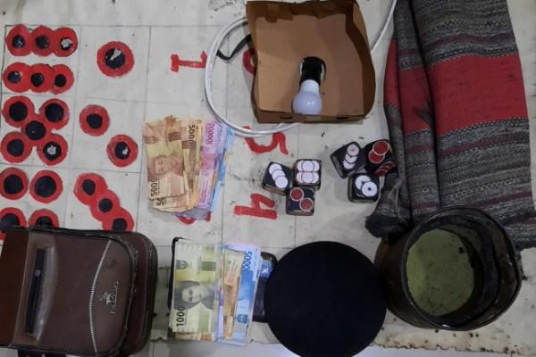 Barang bukti yang diamankan petugas dari tangan tersangka. (Foto: Dok Polres Kediri)