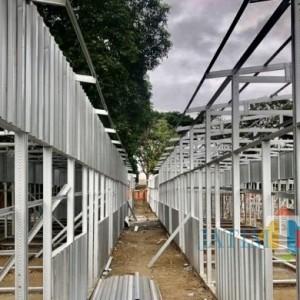 Progres Pembangunan Kios Semi Permanen Pedagang Pasar Besar Kota Batu Baru 30 Persen