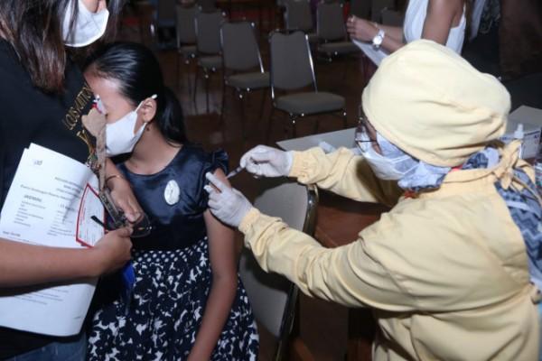 Pelaksanaan vaksinasi Covid-19 di Kota Malang. (Foto: Humas Pemkot Malang for MalangTIMES).
