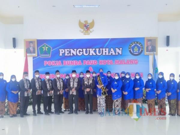 Suasana pengkukuhan Pokja Bunda PAUD Kota Malang serta Bunda PAUD Kelurahan dan Kecamatan. (Anggara Sudiongko/MalangTIMES)