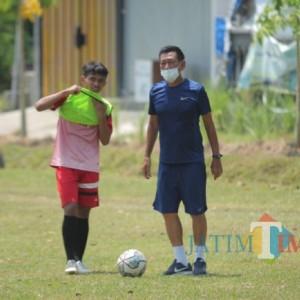 Tergetkan Kemenangan Kompetisi Liga 3, Tony Ho Kejar Waktu Latihan