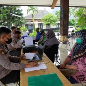 Peduli PKL, Polres Malang Salurkan Bantuan