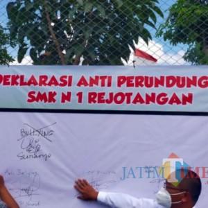 Pertama di Tulungagung, SMKN 1 Rejotangan Berkomitmen sebagai Sekolah Anti Bullying