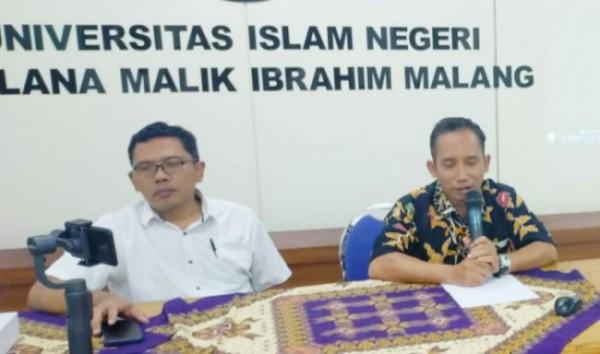 Dr Muh Hambali MAg, Ketua tim Pelaksana Tracer Study UIN Maliki (kanan)(Ist)