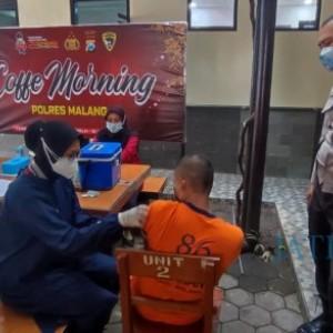 60 Tahanan Polres Malang Jalani Vaksinasi